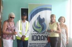 Idaan meets with with small group of coronado residents